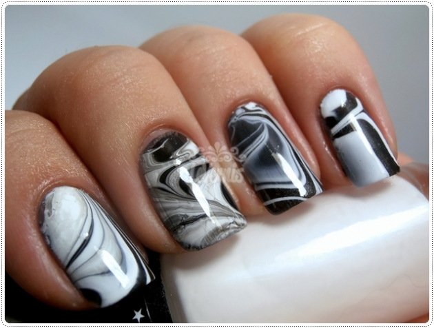 Black & White Nail Art Water Marble