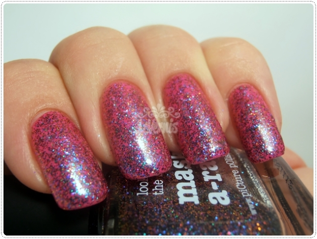 Hot Lips & Mask-a-rade -piCture pOlish