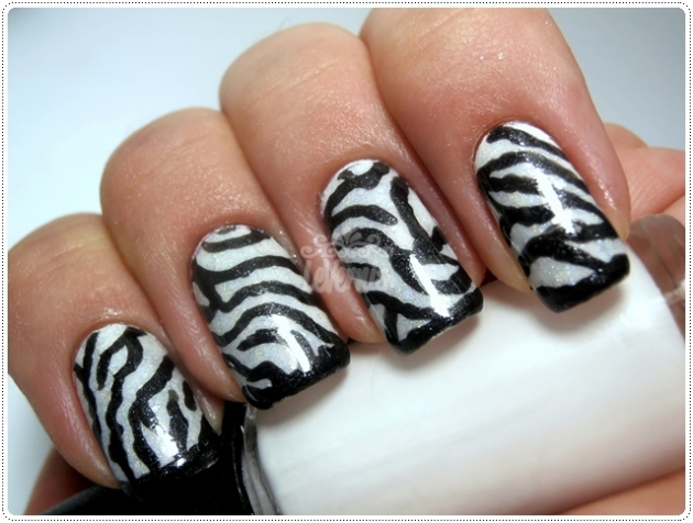 Black & White Patchwork Zebra Mani