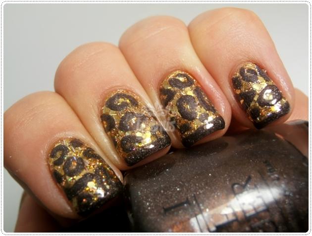 Leopard Glitter Nail Art