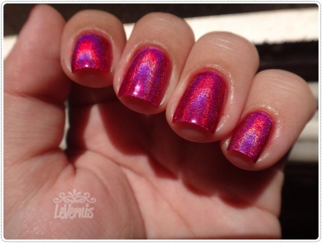 Layla - Mercury Twilight + Escarlate Diluído (1 camada) - No sol (2)