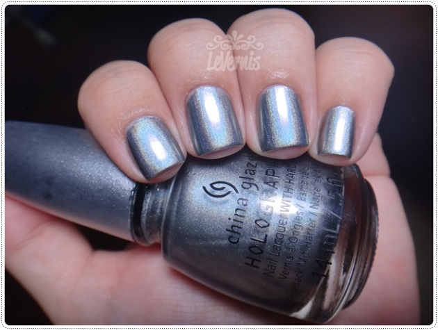 China Glaze - Cosmic Dust (2)